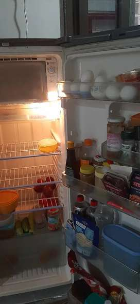 Samsung fridge 180 ltr