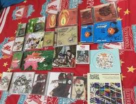 satu set koleksi cd dan kaset sheila on7 with signatures
