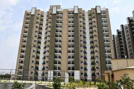 %Centrally located% apartment 982sqft/ Available in Gr. Noida West