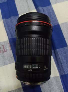 Canon 135mm f2.0 lens in good condition