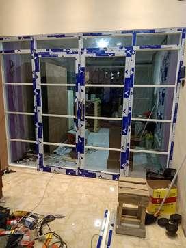 Menerima pesanan pembuatan pintu aluminium