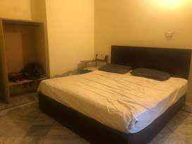 Room /Flat Avalible for Rent