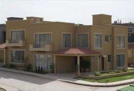 Beautiful Defence Villa is available for Rent