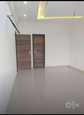 Showroom for sale on chandigarh Kharar highway near Sunny enclave