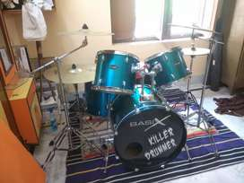 Basix 5 set drums kit with 3 Boom cymbal stand and one Hi-Hat stand.