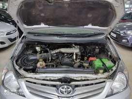 Toyota Innova  2.5 V7