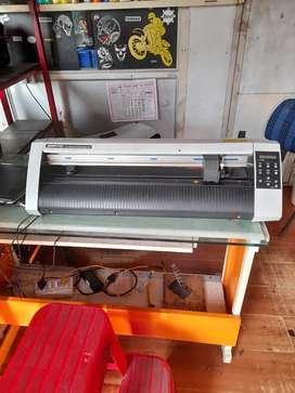 Graphtech Sticker Cutting Machine