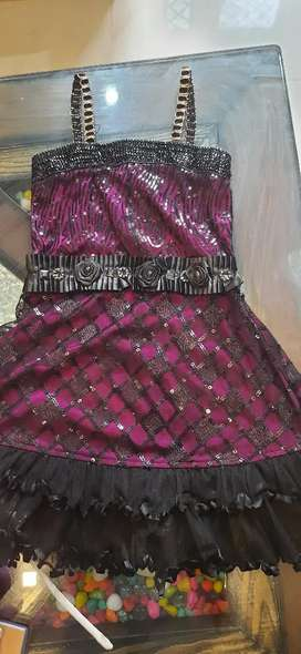 Girls dresses party wear in gud condition