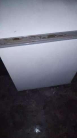 Deep freeze Good condition  urgent Sale