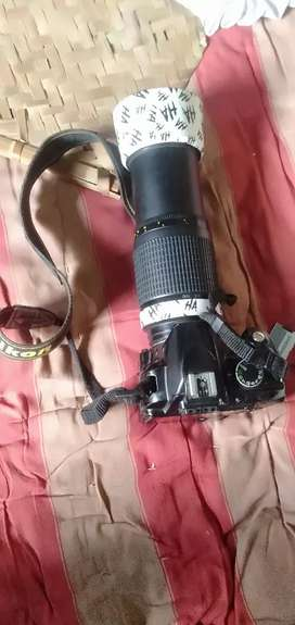Nikon D3100 14 month 2 battery and 1 charger and bag 2 lens