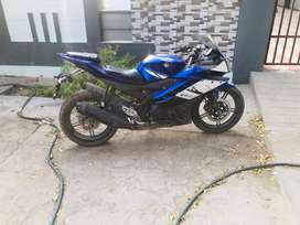 My r15 one hand use good condition