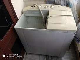 Lg washing machine (semi automatic)
