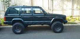 Jual cepat BU : Jeep Cherokee XJ limited A/T 4.0 1996 Hijau metalik
