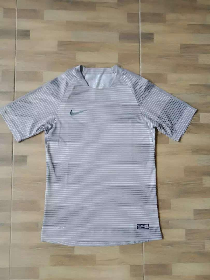 Nike football shirt grey