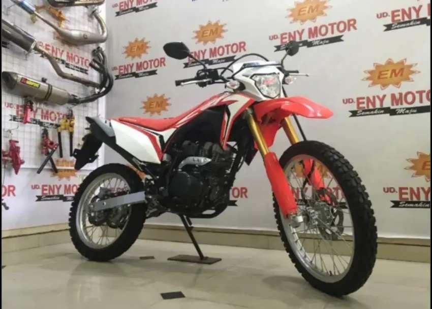 05¶ Honda CRF 150L th 2019 Merah-Putih Sunmori Checck - Eny Motor