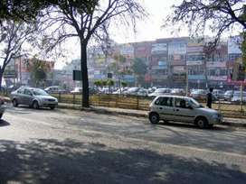Showroom for sale in phase 7 market opposite chawala nursing home
