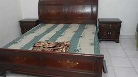 Pure solid wood bed with dressing