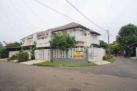 Rumah Harus Segera Terjual, hanya 2.95M di Villa Melati Mas, Tangsel