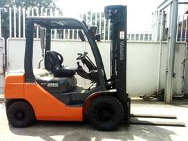 Dijual Forklift Bekas Merek Toyota Diesel (Cap 2.5 Ton)