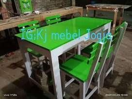 Set meja makan cafe