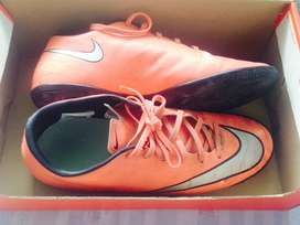 Football shoes ( mercurial)