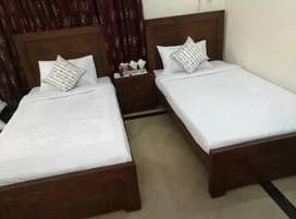 Male officers/ students paying guest/Hostels available in Sargodha