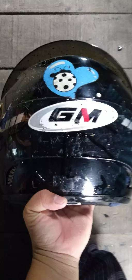 Djual helm GM hitam 0