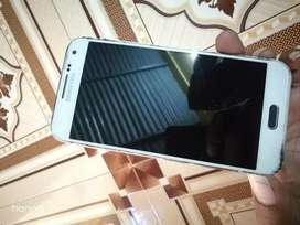 Samsung E5 2gb Ram 16gb.Rom