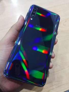 Samsung a50 4/64gb black (fullset) pemakaian ± 3minggu jual cepat