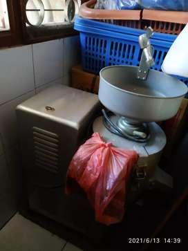 Mesin pembuat susu kacang