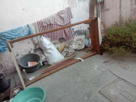 Old bed not in use so selling saag wood