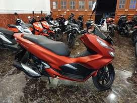 ~ Hanya 2.5Juta DP HONDA PCX 150cc ( Grade A) Bergaransi Mesin