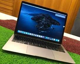 Apple MacBook Air \ 2019 \ Retina \ 13.3inch \ i5 \ 8GB \ 256GB
