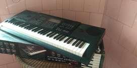 Di jual Murah Keyboard CASIO ctk-7200 BEKAS, kondisi Mulus