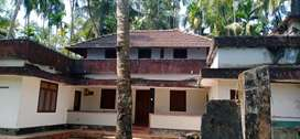 Kakkodi, 18 Cent Old House 40 Lakh