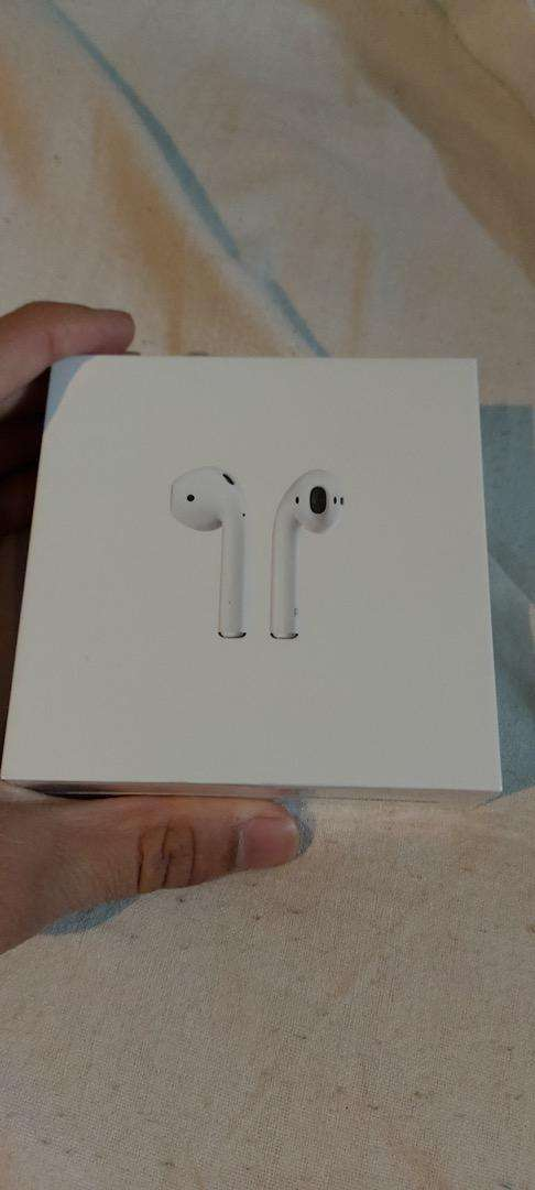 Airpods 2 0