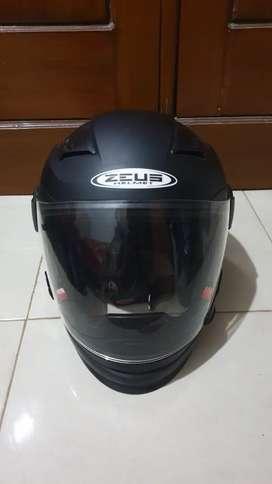 Helm Zeus 611C Modular