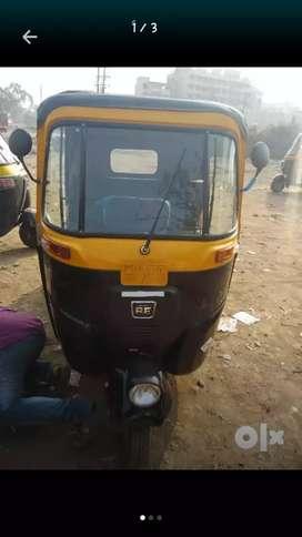 New Bajaj 2 strock Auto bhade pe dena hai 9000/month