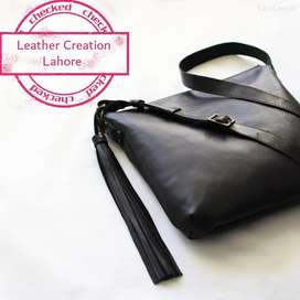 Women bag  in Black color