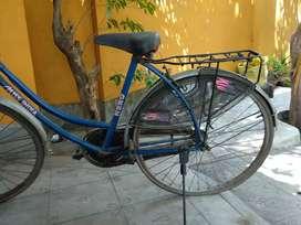 Hero Miss India blue colour ladies cycle