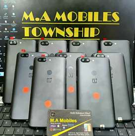 One plus 128gb 3t fresh stock just arrived official pta aproved