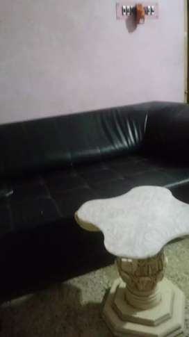 Two pcs sofa  same size same condition sofa very good condition