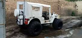 Fully White Hunter Willy jeep