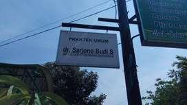 bikin plang reklame dokter papannama neonbox notaris ppat di Solobaru