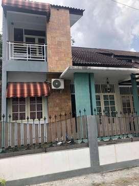 Rumah baru jual cepat butuh uang utara pasar concat area FEUII UPN JIH