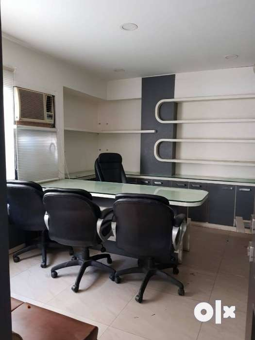 Corporate look ready to move Office on lease. 0