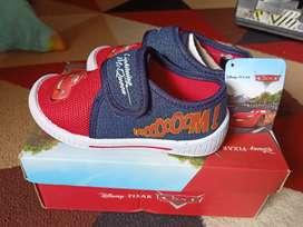 Sepatu merk Disney cars