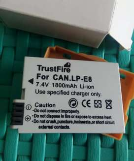 Batere Kamera Canon LP E8 untuk EOS 550d, 600d, 700d