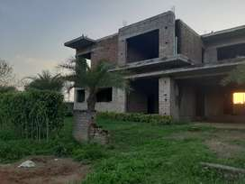 500yard Incomplete kothi Rate1.15cr.