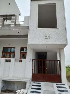 3 BHK beautiful House in good locality me